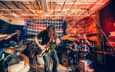 Ist es wichtig, in einer Band zu spielen?